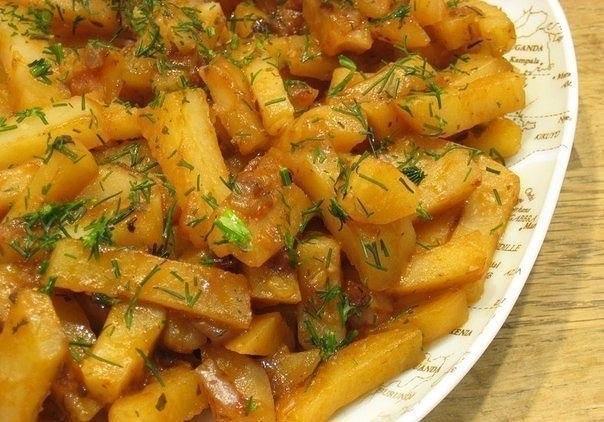 """Вкусная картошка в мультиварке на режиме """"Выпечка""""."""